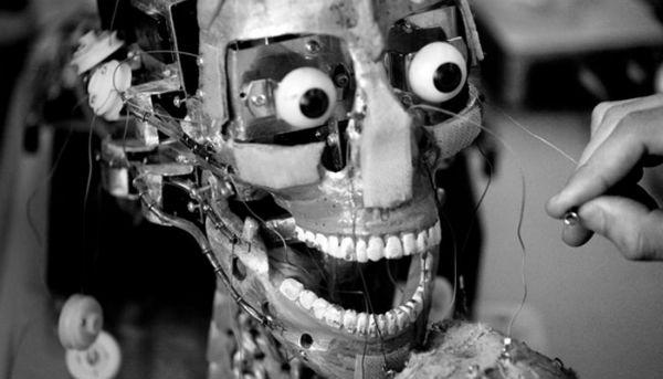 385017-robot